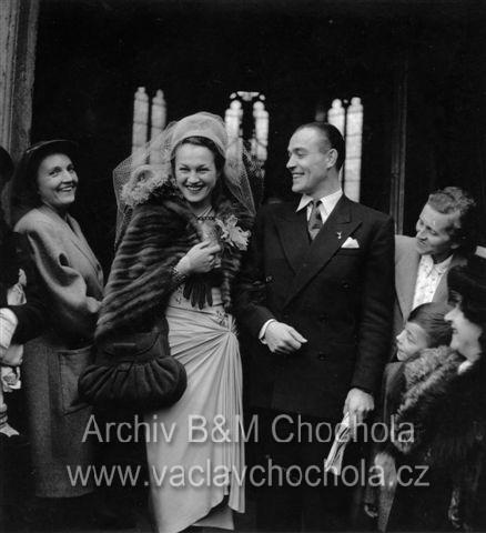 Václav Chochola - Adina Mandlová a Frank Knight, svatba, 1946